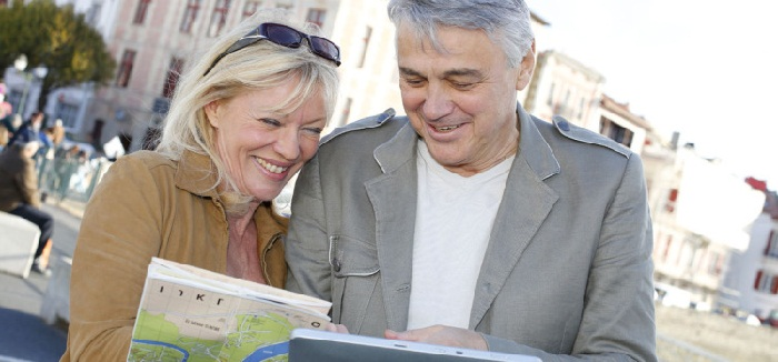 How to Make Traveling Easy and Safe for Seniors
